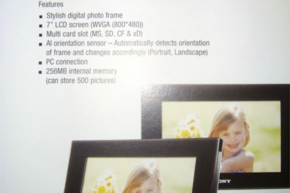 Sony intros three new photo frames, adds Bluetooth and HDMI
