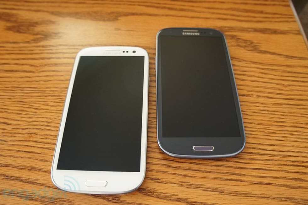 Samsung Galaxy S III review shootout: AT&T vs  Sprint