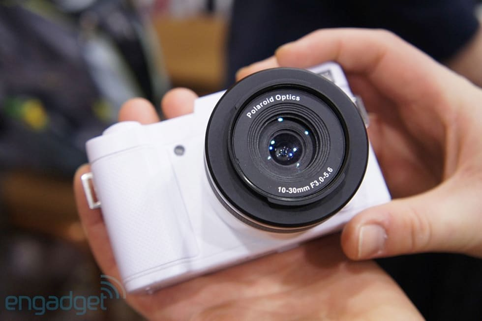 479b805b1be08 Polaroid s interchangeable lens cameras hands-on (video)