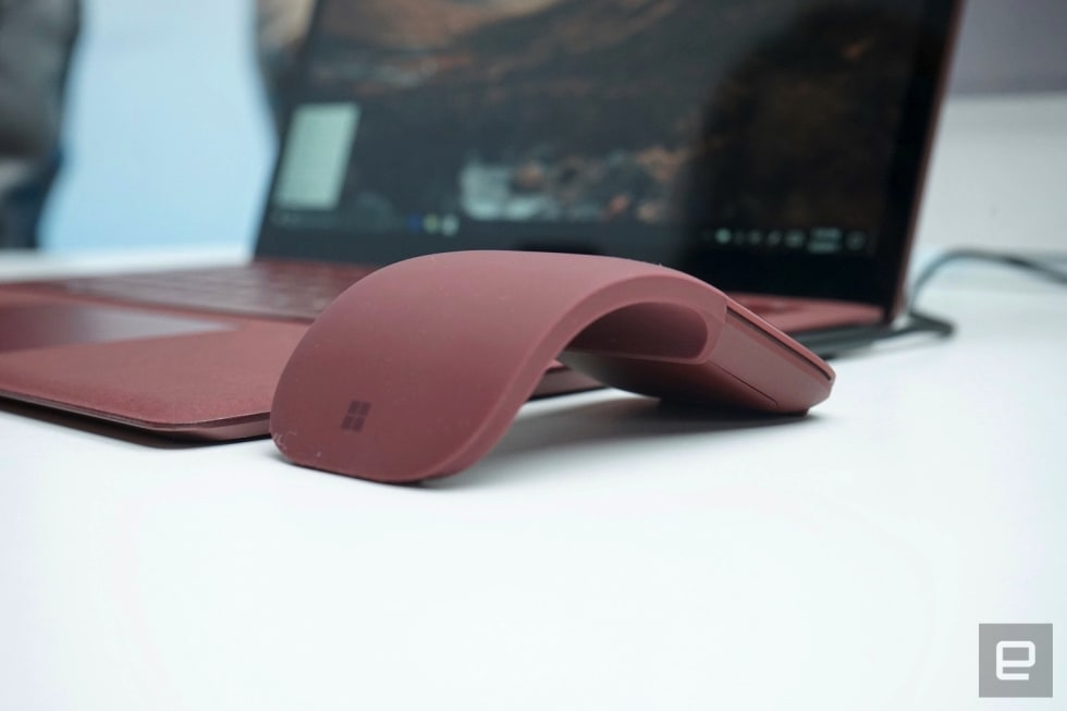ffcfc2ba726 Microsoft's lie-flat Surface Arc mouse is a new take on an old formula