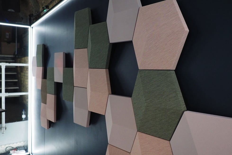 B&O hides high-end speakers in hexagonal wall art - Tips general news