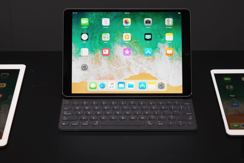 10.5-inch iPad Pro hands-on at WWDC 2017