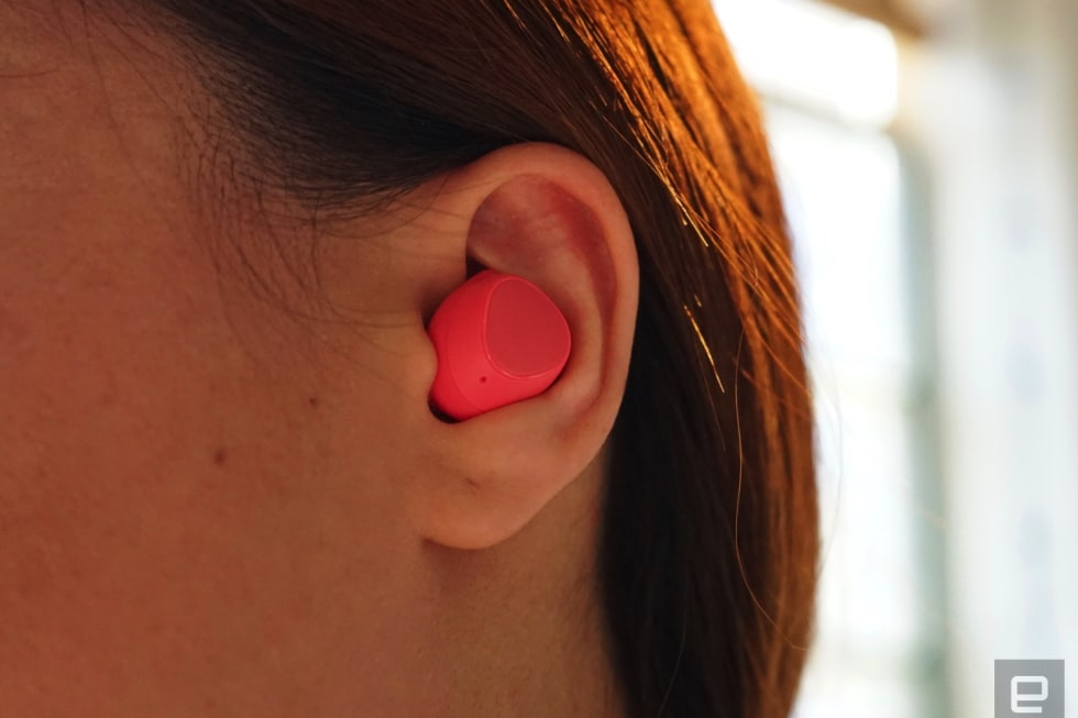 A close look at Samsung's revamped Gear IconX earbuds