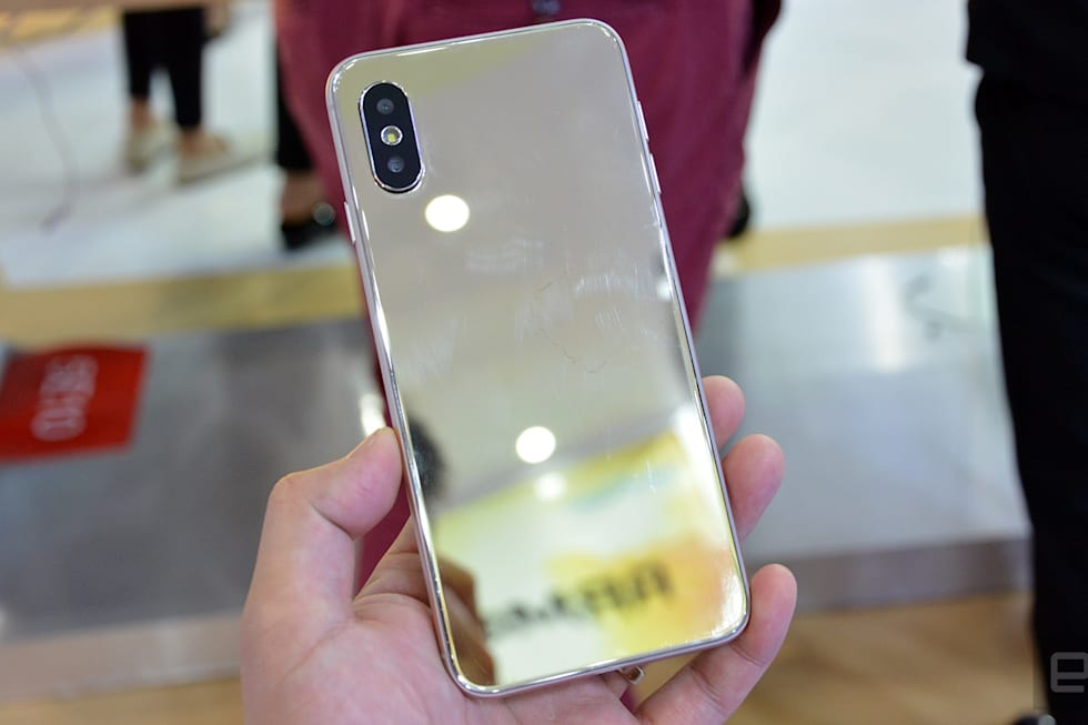 Fake iPhone X has a fake notch, obviously