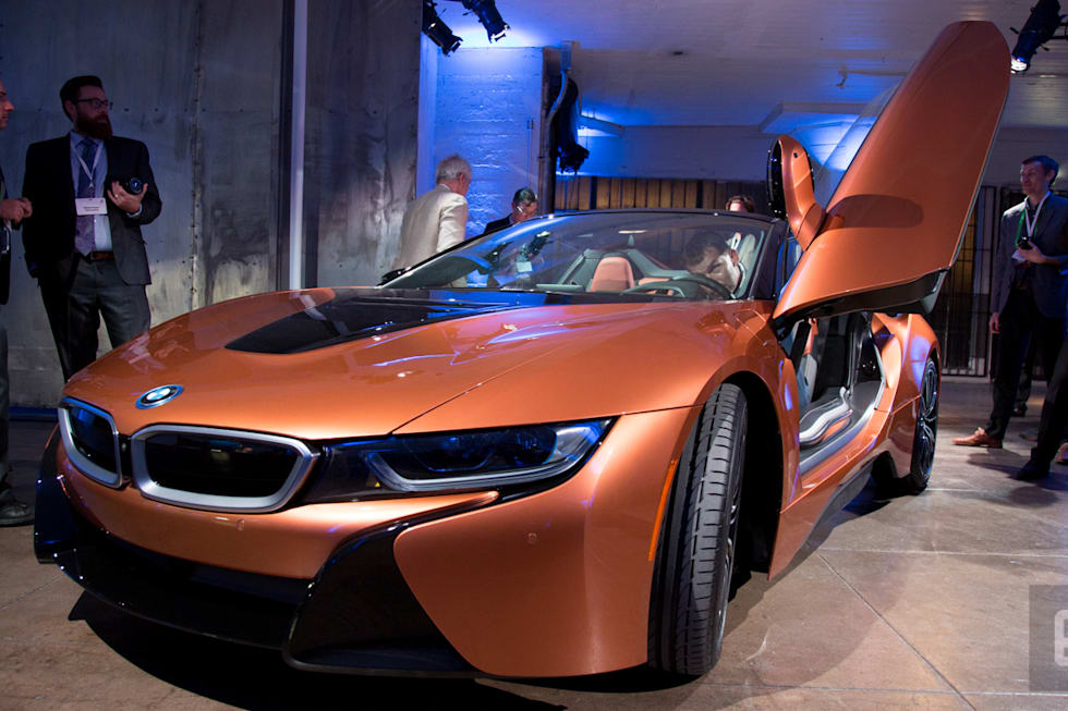 Bmw Debuts Its I8 Roadster For Top Down Green Driving
