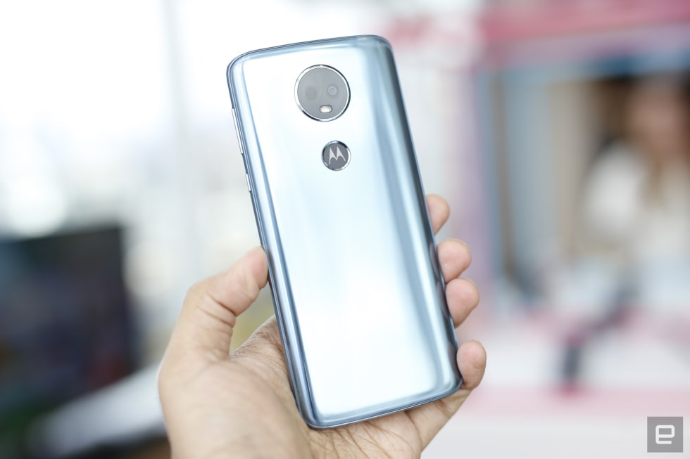 Moto E5 Plus and Play hands-on