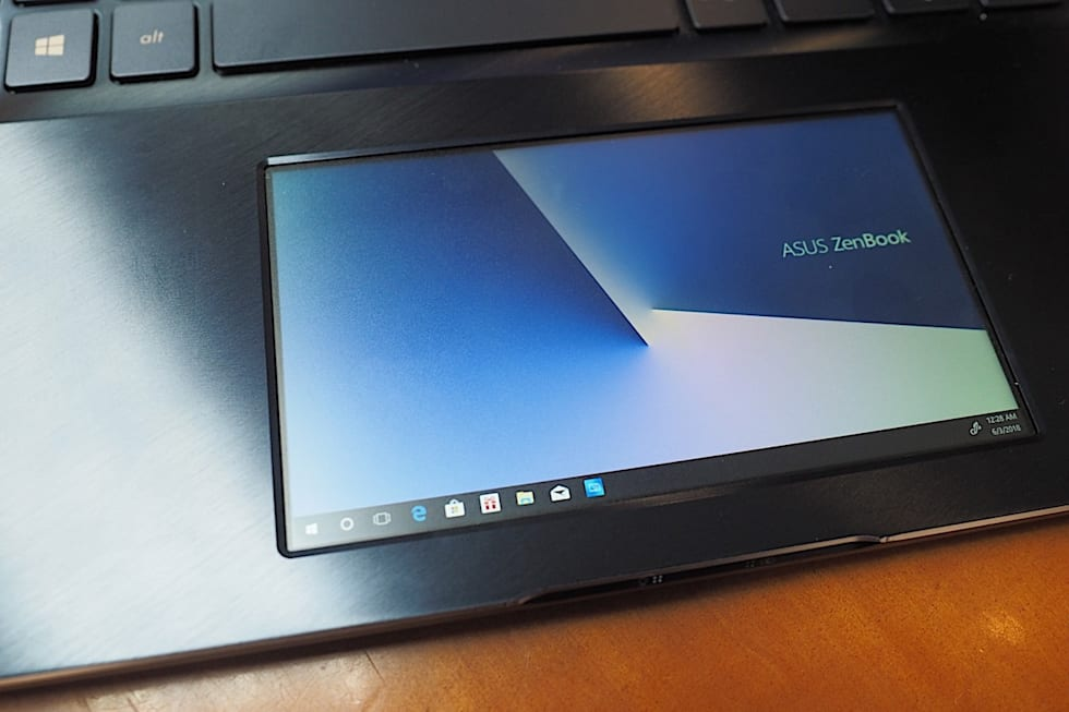 ASUS stuffed a screen into the ZenBook Pro 15's touchpad