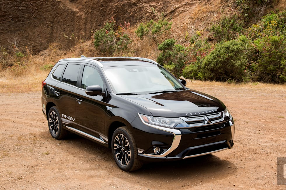Gallery 2018 Mitsubishi Outlander Plug In Hybrid Review 10 Photos