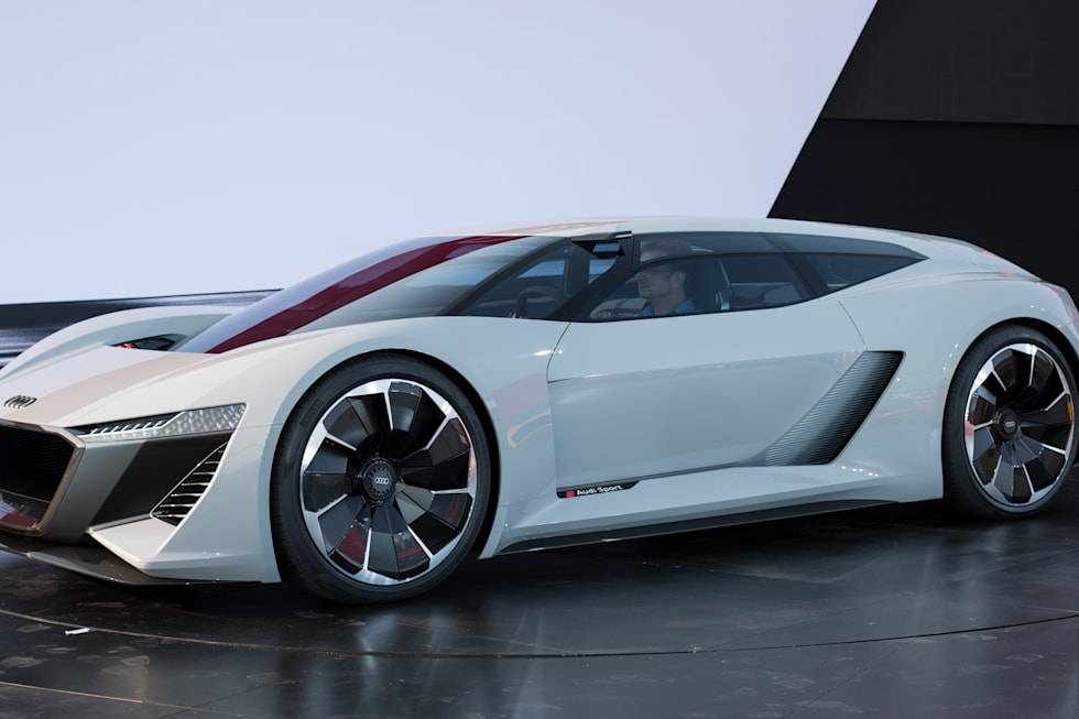 Audis PB ETron Is A Supercar Spaceship - Audi concept