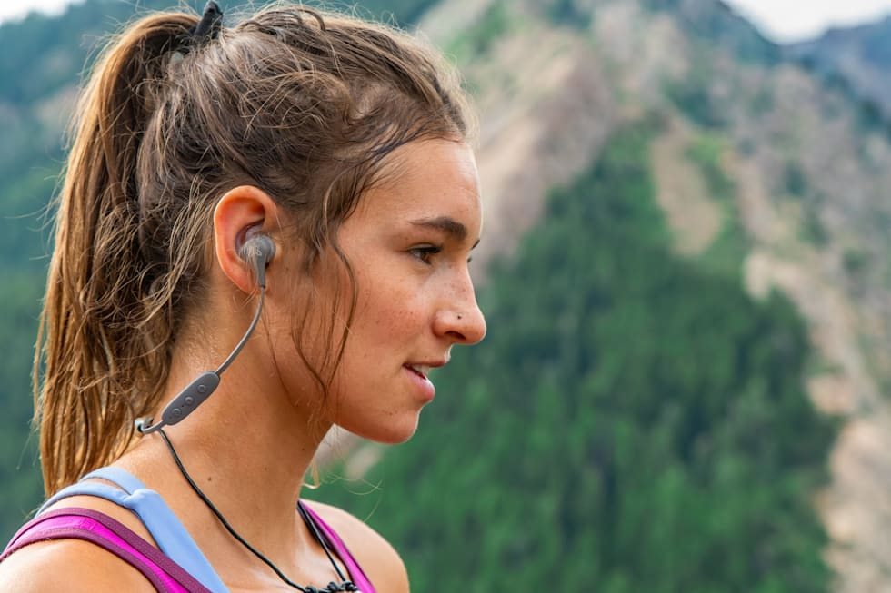 8038e583a94 Jaybird's X4 sport earbuds are redesigned and waterproof