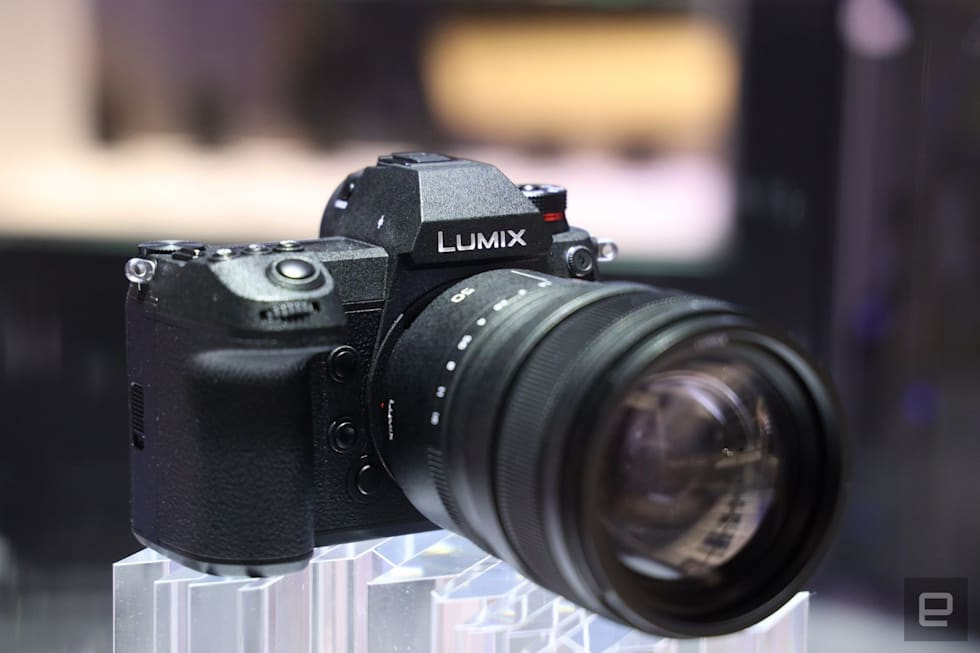 Panasonic S Full Frame Mirrorless S1r Is Loaded With Potential
