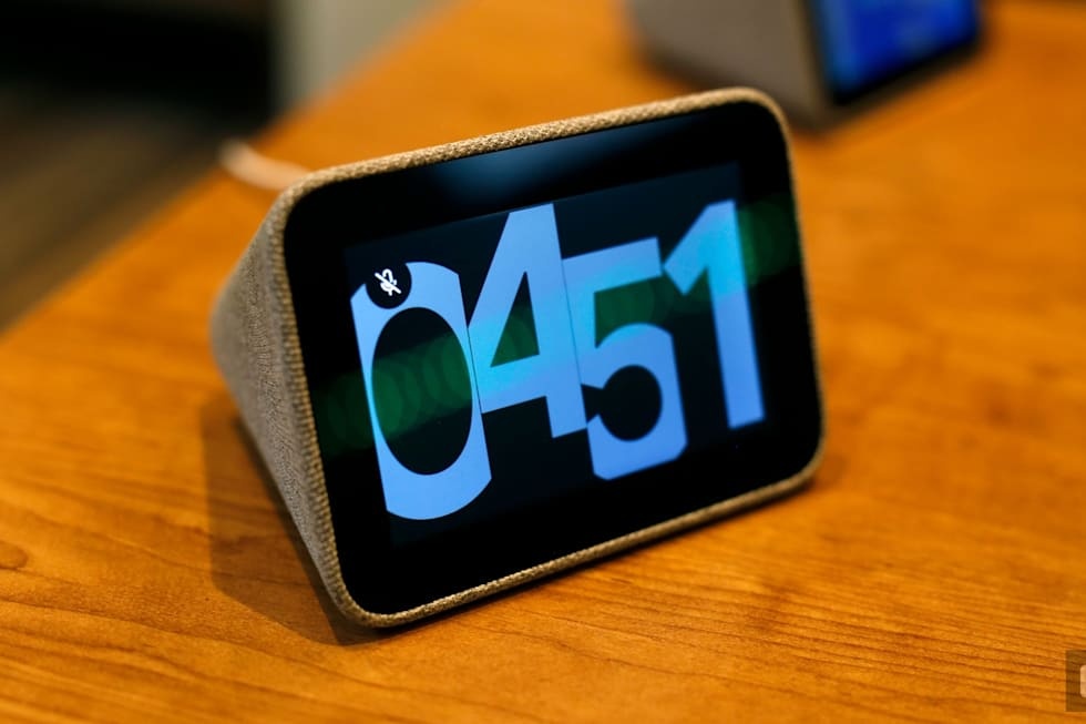 Hands-on with the Lenovo Smart Clock