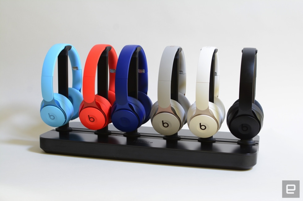 Beats Solo Pro Headphones Feature Pure Anc And Always On Siri Engadget