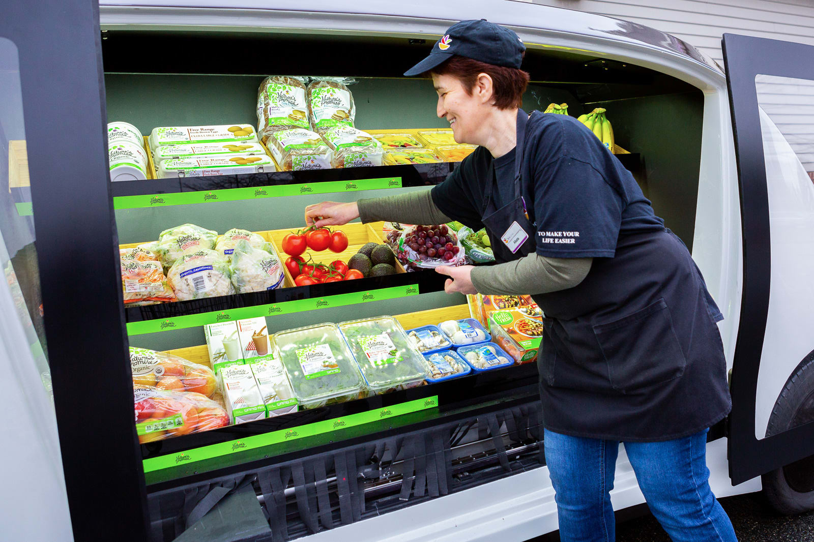 Stop & Shop's self-driving grocery car