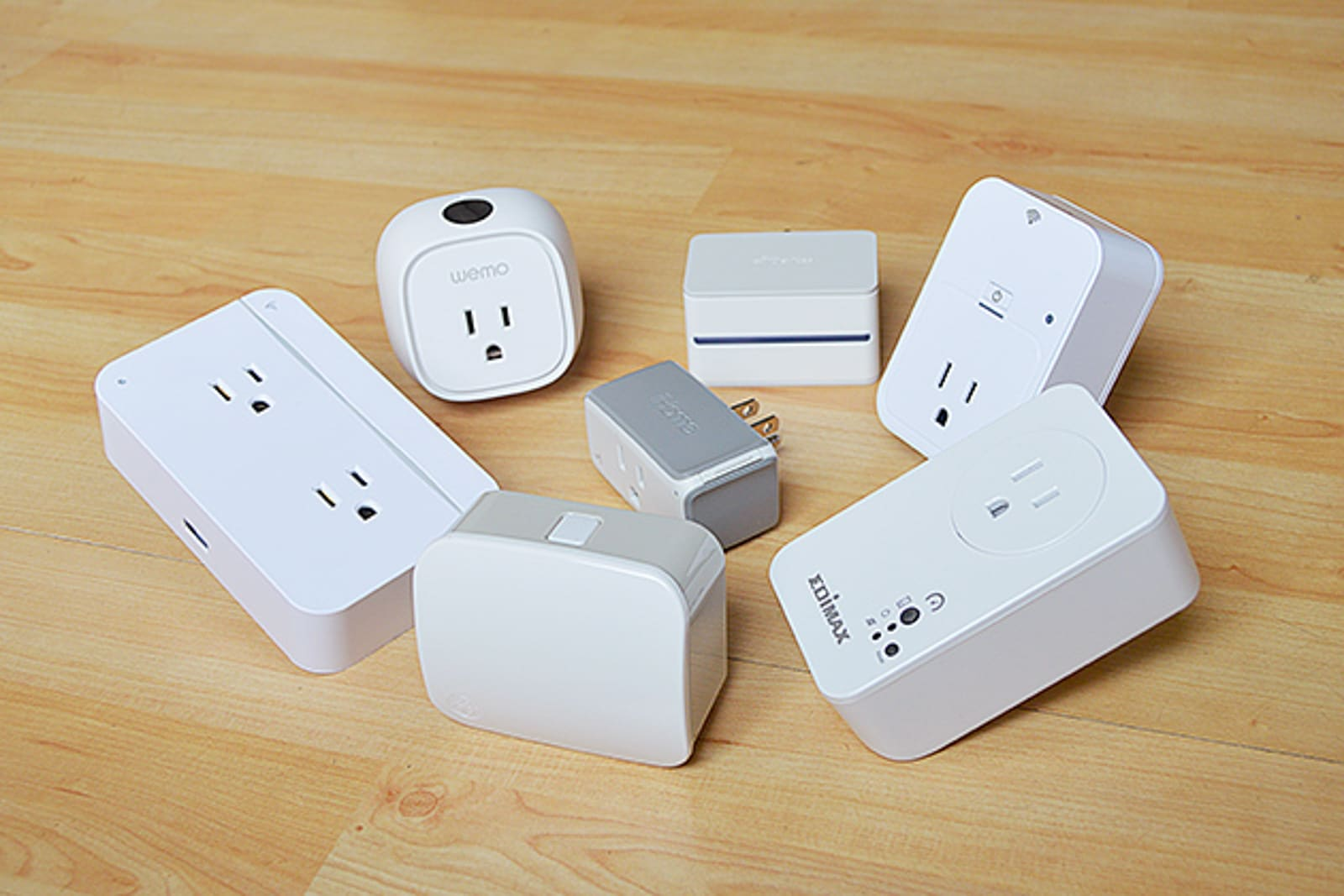 Plug-in smart outlet