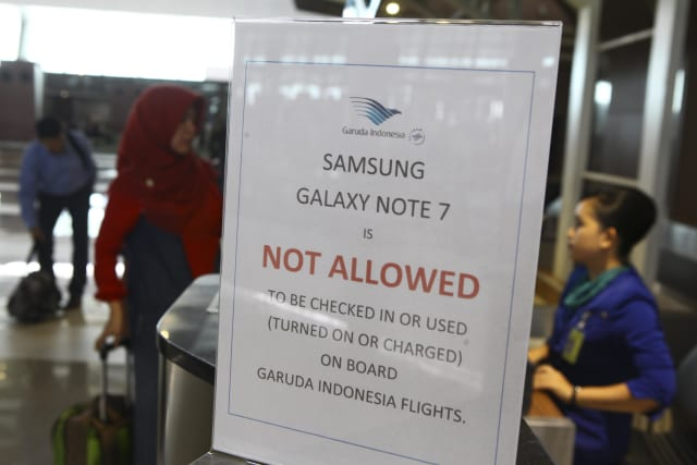 Airlines Ban Samsung Galaxy Note 7 On Flights In Indonesia