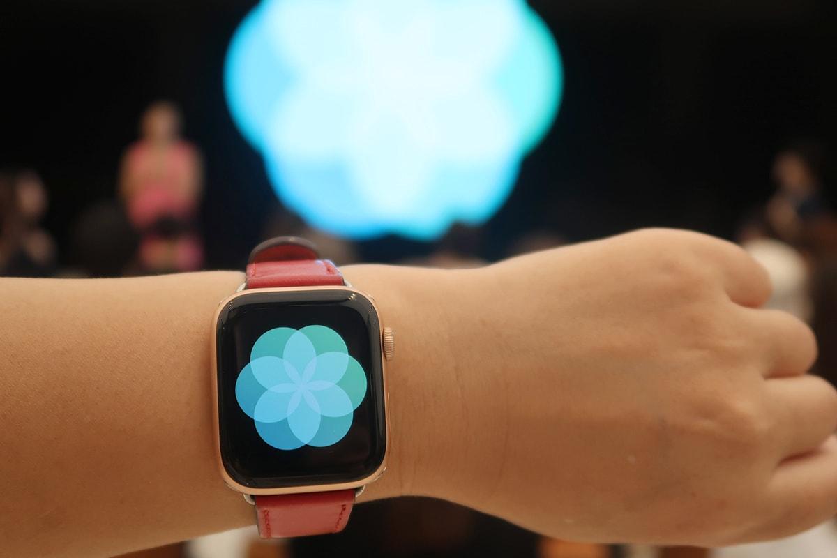 Apple Watchがない人はスクリーンで、ある人は自分のアプリで深呼吸