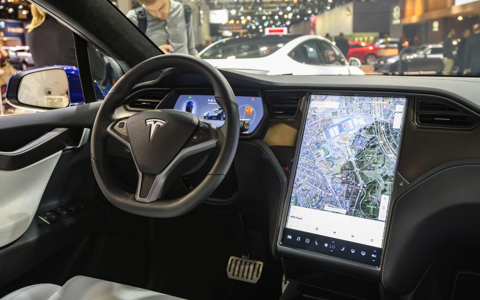 Tesla Autopilot Traffic Lights