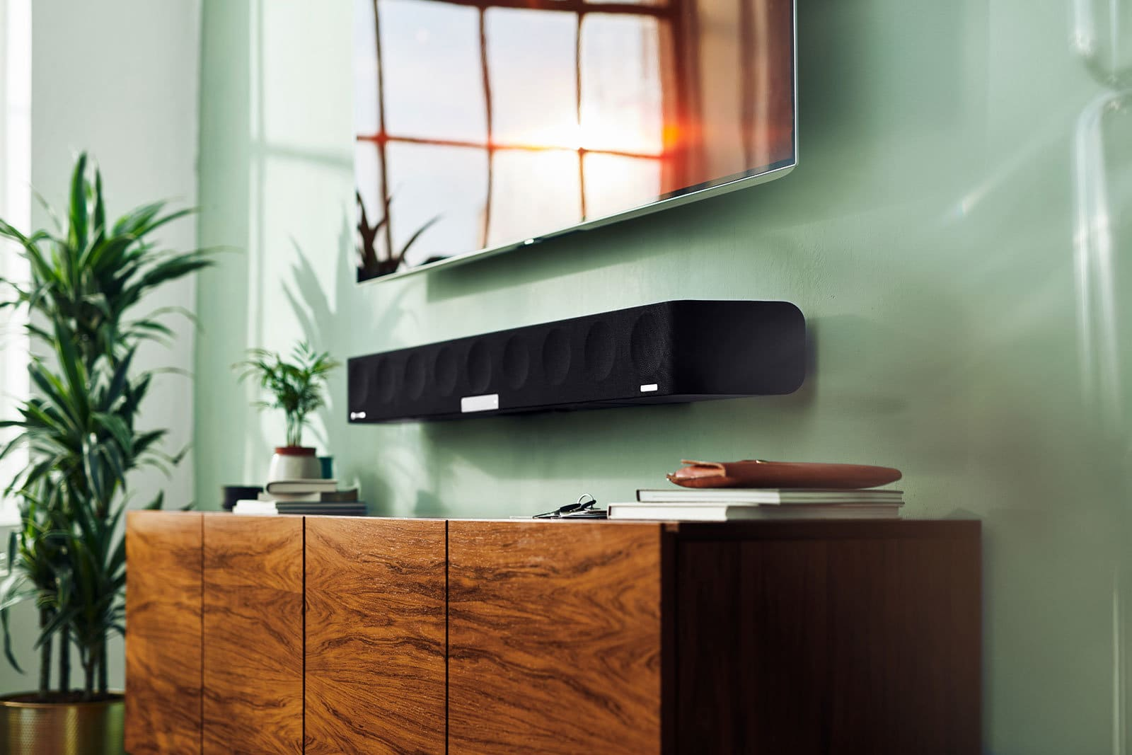 Sennheiser's Ambeo 3D audio soundbar goes on sale in May for $2,499