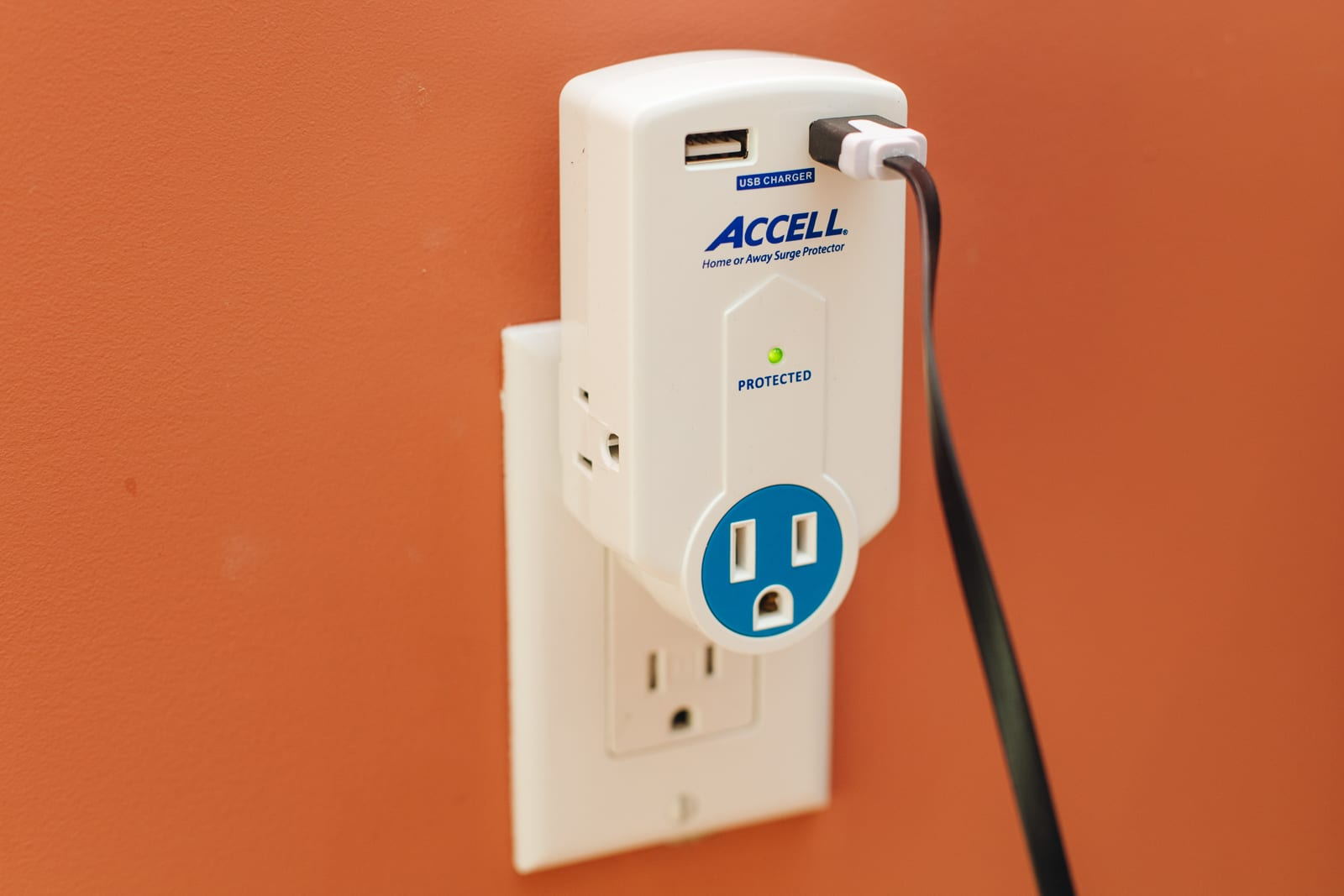 Portable power strips and surge protectors with USB charging