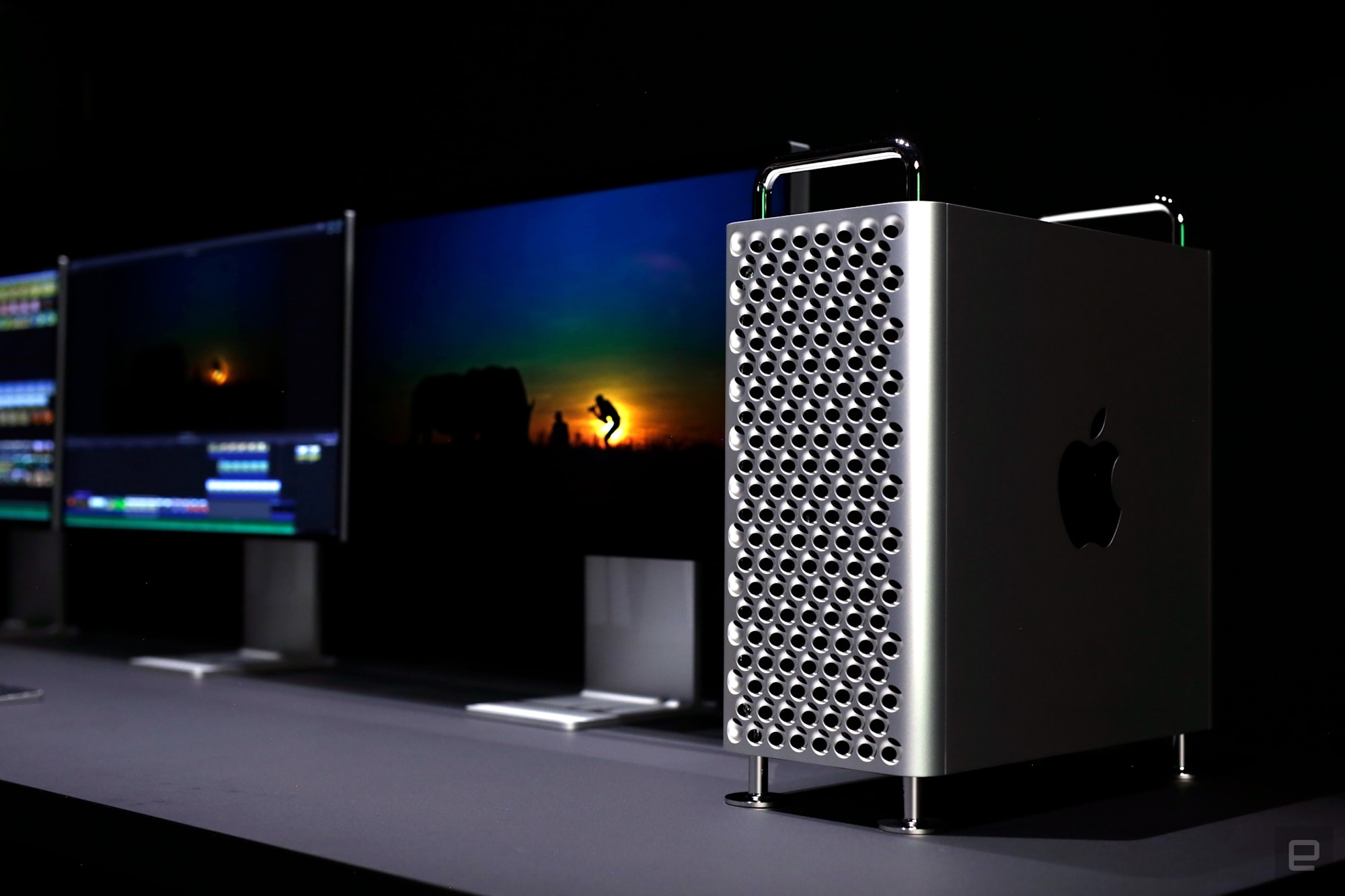 Apple Mac Pro (2019) and Pro Display XDR
