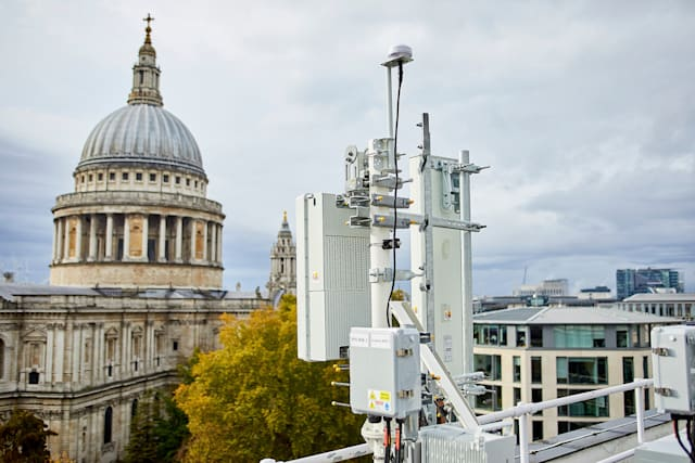 EE 5G mast near St. Paul's in London