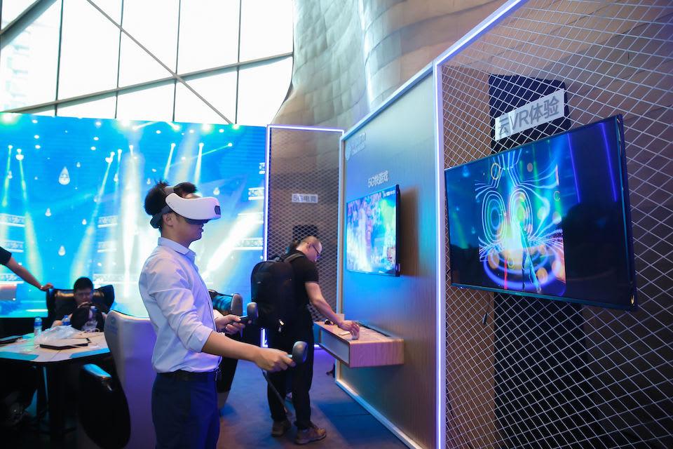 HTC 將與中國移動合作推出首款端到端 5G 雲 VR 解決方案