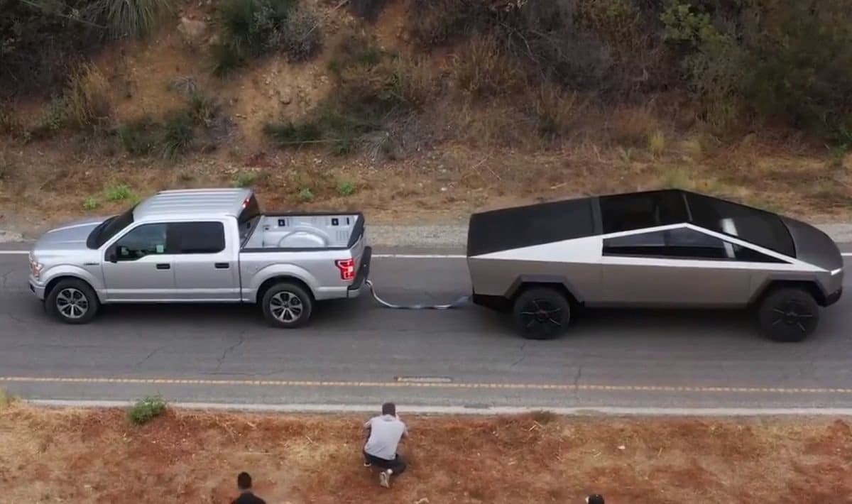Cybertruck vs. F-150 Tesla