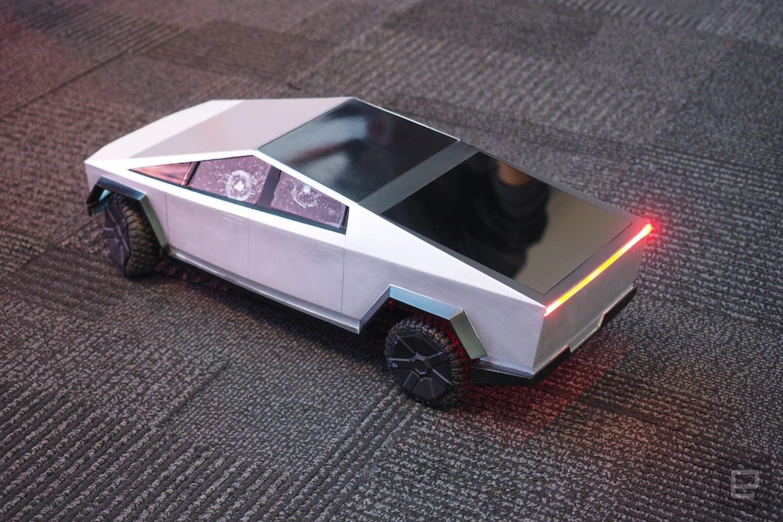 Hot Wheels RC Cybertruck