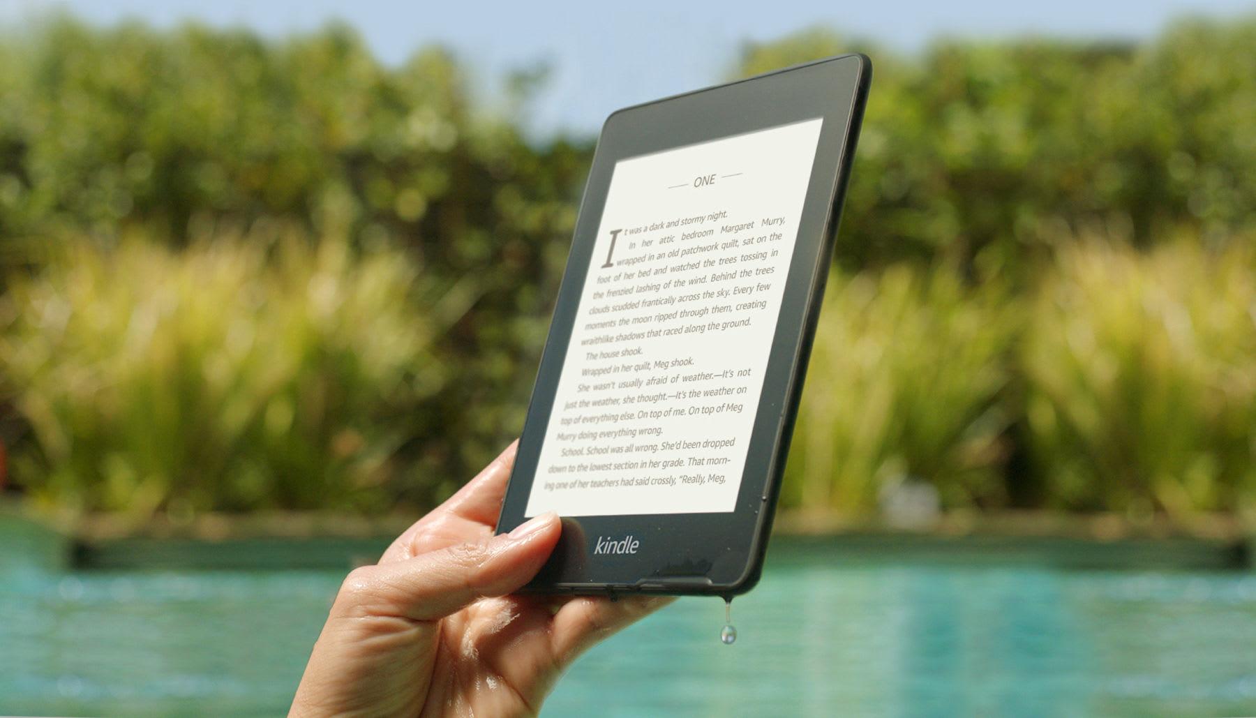 新的 Kindle Paperwhite 泡點水也不怕