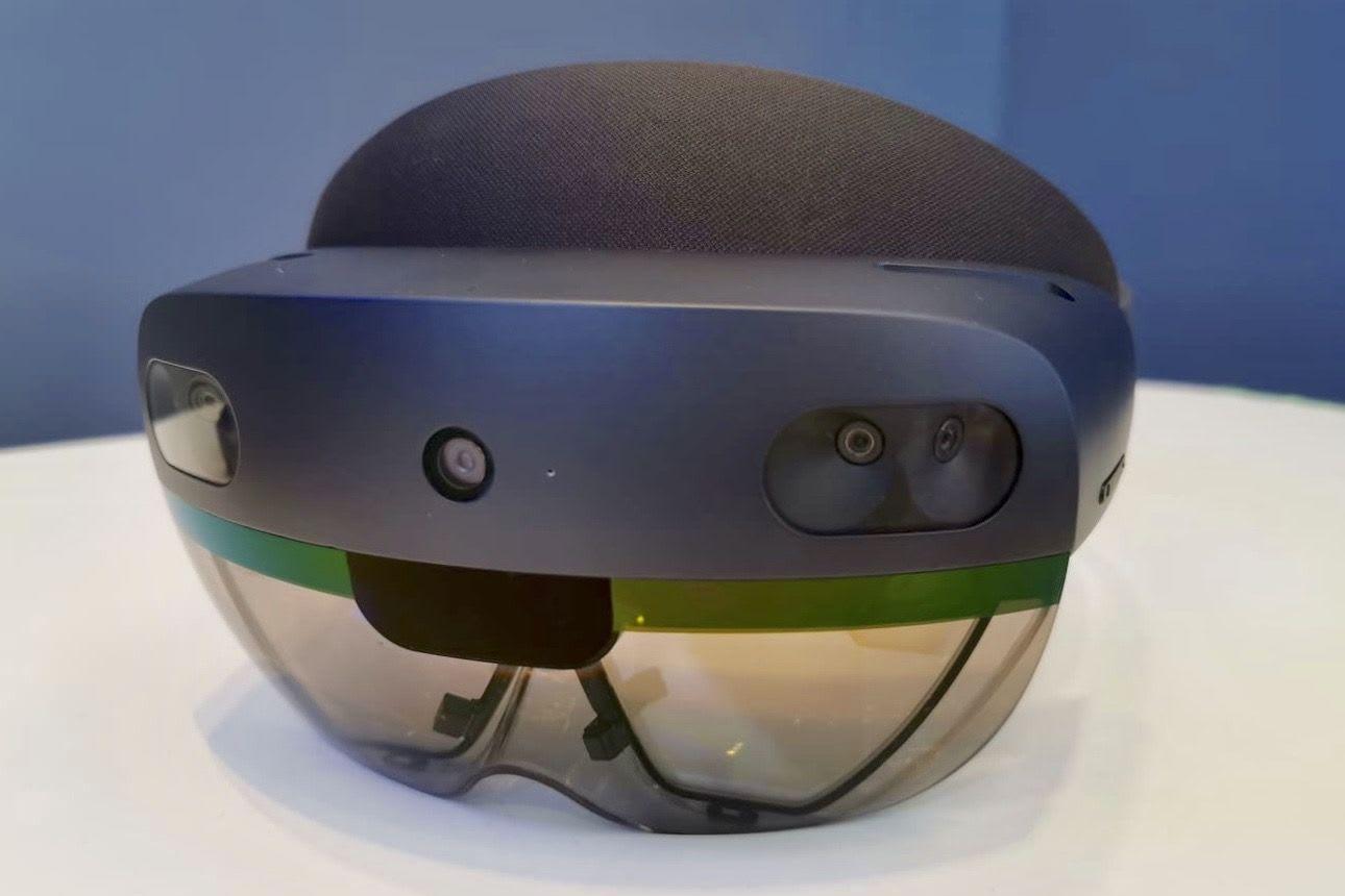 HoloLens2 Shipment Started