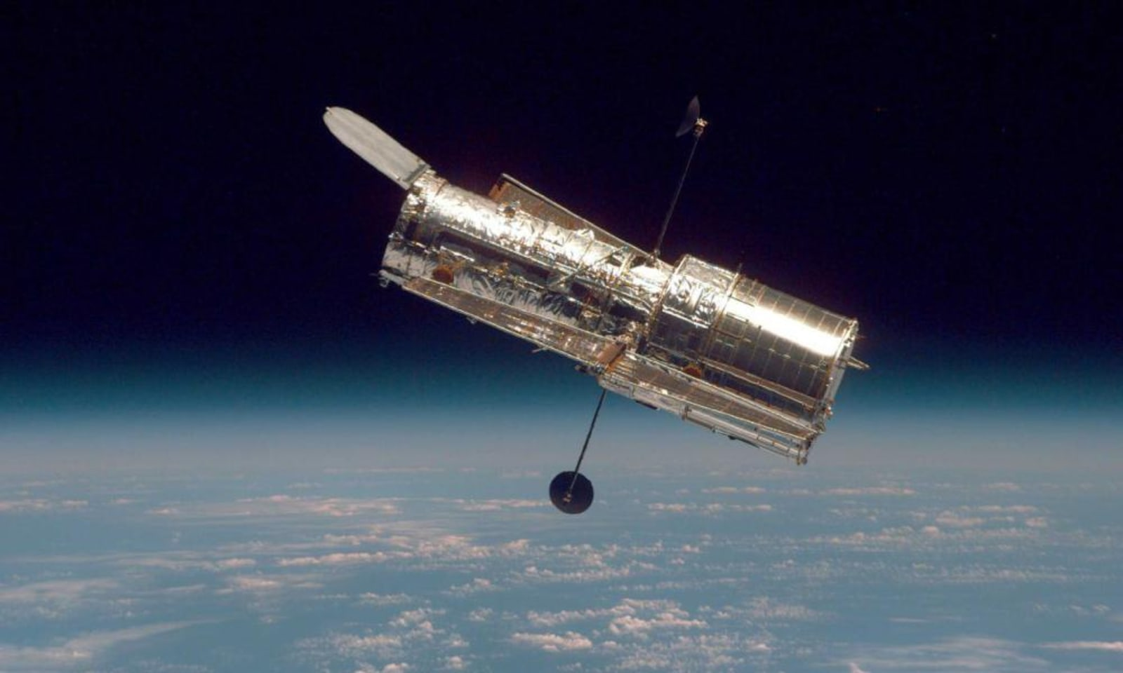 Hubble telescope fixed by 'jiggling it around'