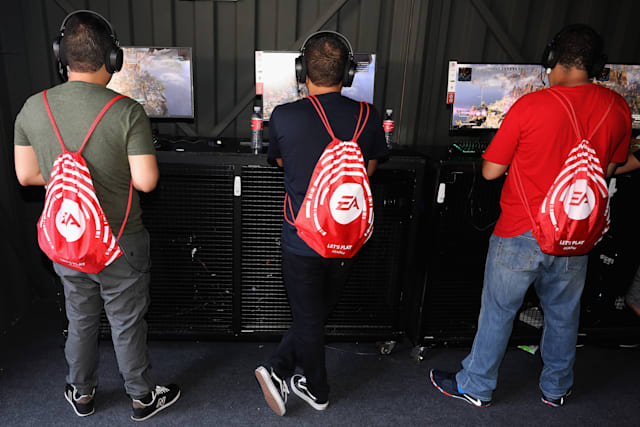 "LOS ANGELES, CALIFORNIA - JUNE 08:   Game enthusiasts and industry play ""Apex Legends"" during the EA Play 2019 event at the Hollywood Palladium on June 08, 2019 in Los Angeles, California. (Photo by Christian Petersen/Getty Images)"
