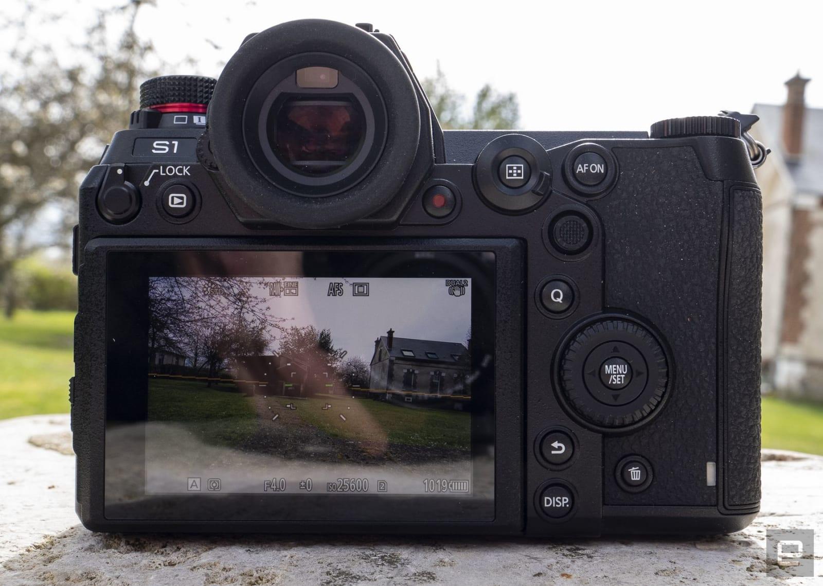 Panasonic S1 mirrorless camera review